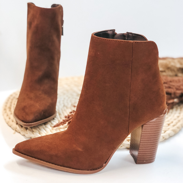 Walking By Side Zip Heeled Booties with Pointed Toe in Caffe Brown