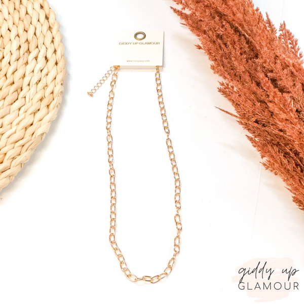Thin Linked Chain Necklace in Gold