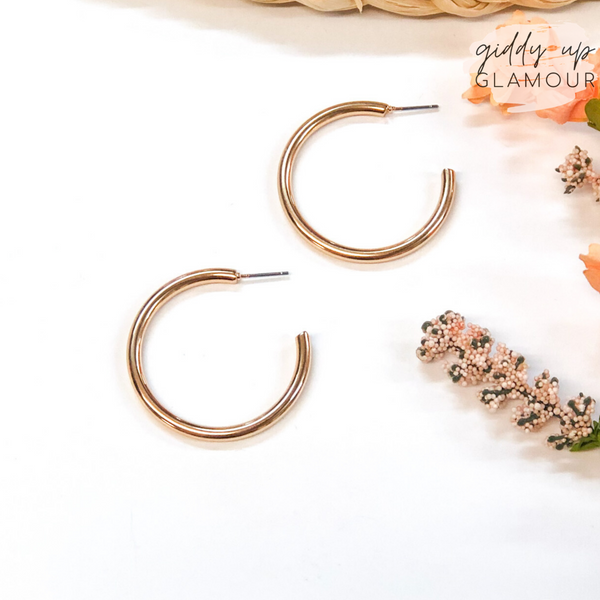 Basic Love Round Hoop Earrings in Gold