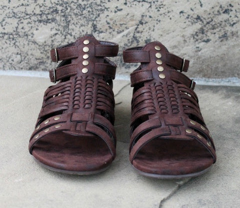 Esperanza Distressed Sandals in Chocolate Brown