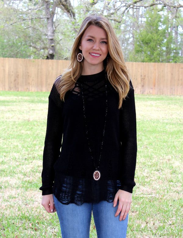 Vintage Mood Distressed Knit Sweater in Black