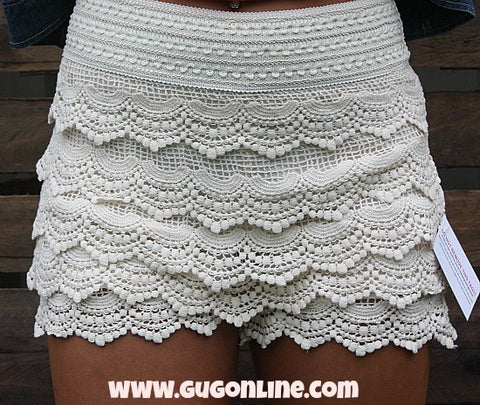 Crochet Cutie Shorts in Cream