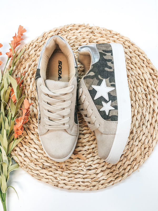 Playful Attention Lace Up Sneakers with White Stars in Camo