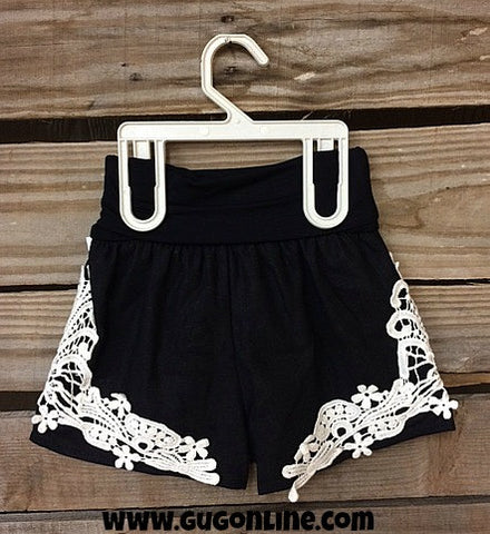 All About That Lace Linen Kid Shorts in Black