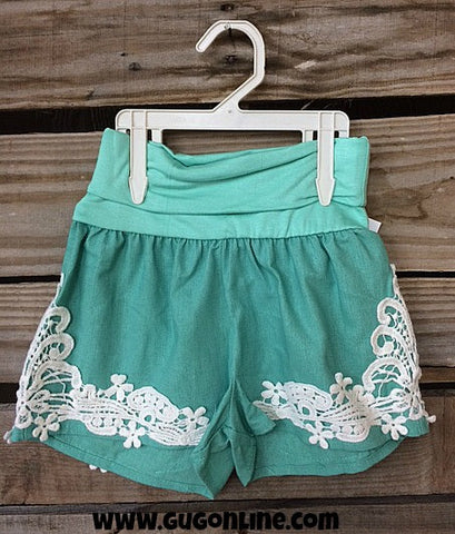All About That Lace Linen Kid Shorts in Mint