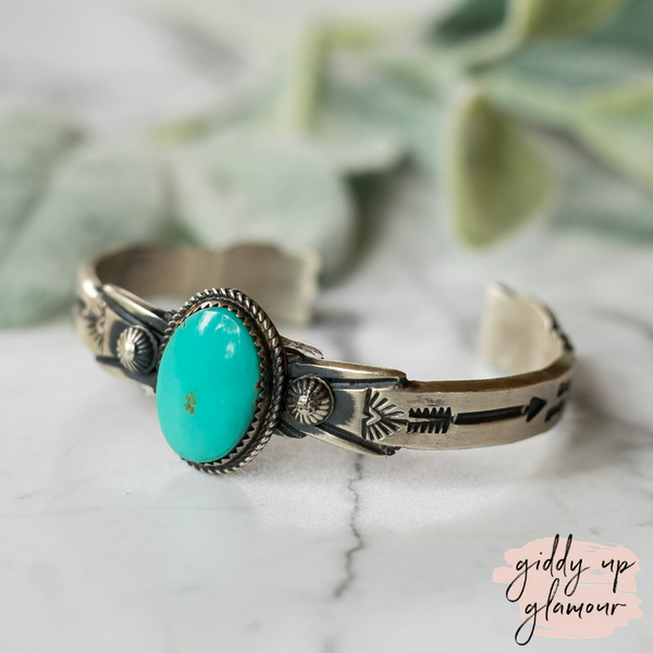 Genuine Sterling Silver Indian Handcrafted Navajo Nations Kingman Turquoise Stone Cuff with Arrows Real Turquoise Jewelry Handmade in USA Native American Jewelry Royston Kingman Turquoise Carico Bracelet Heritage Style Turquoise and Co