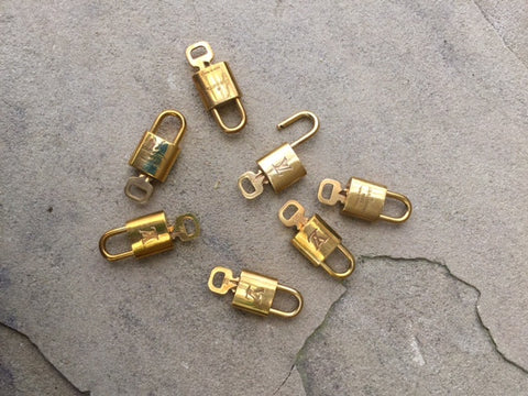 Authentic Used Louis Vuitton Lock & Key Set
