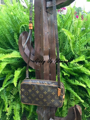 Authentic Used Louis Vuitton Marly Bandouliere Cross Body or Shoulder Purse in Monogram