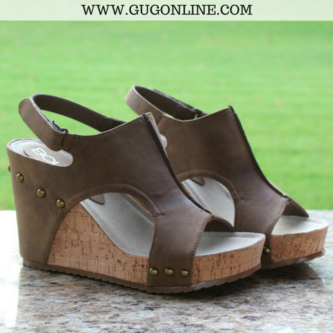 Beverly Hills Wedge Sandals in Tan