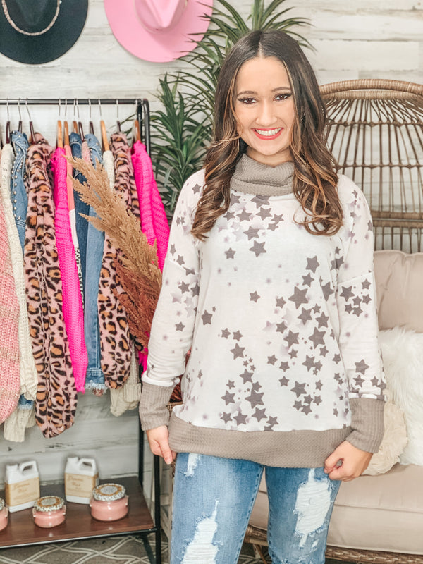 PINK FRIDAY | Light Up the Night Waffle Knit Trim Cowel Neck Star Print Top in Grey