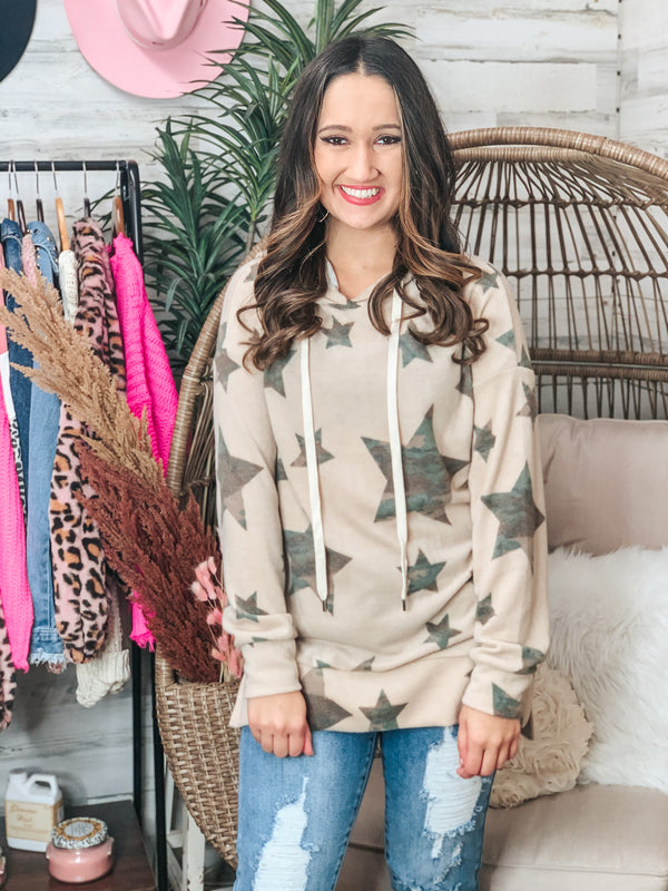 PINK FRIDAY | Relaxation Station Star Print Pullover Hoodie with Camouflage Stars in Beige