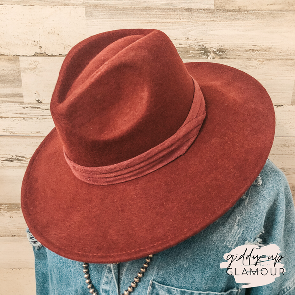 Perfect Pick Wool Hat with Matching Band in Burgundy