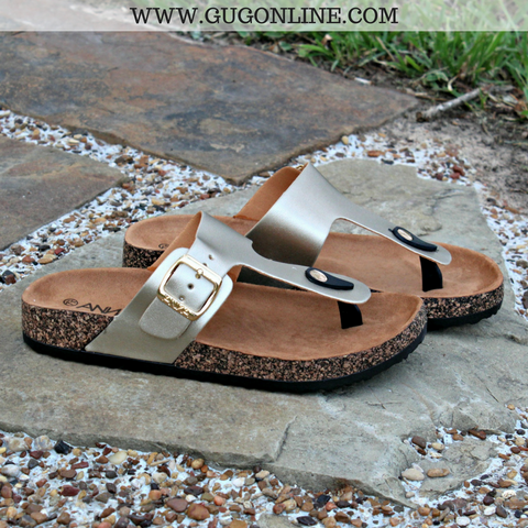 Summer Castaway Thong Sandal in Gold