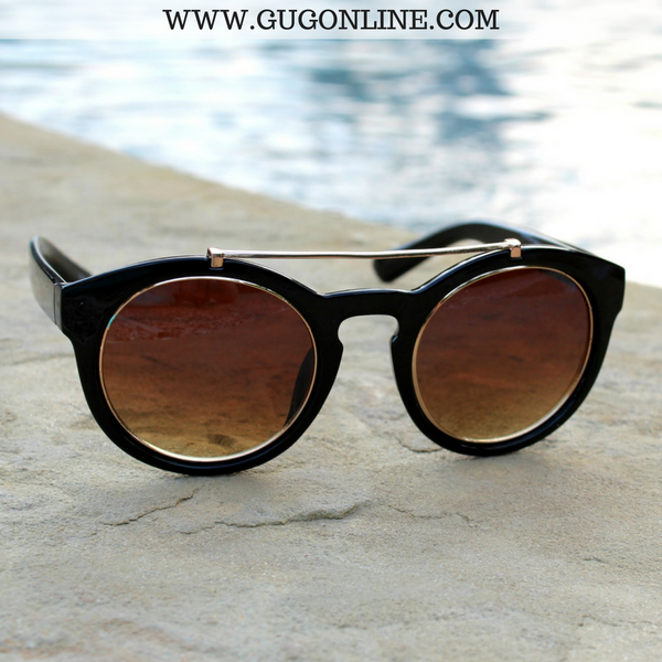 The Quinn Round Aviator Sunglasses in Black with Gold Trim