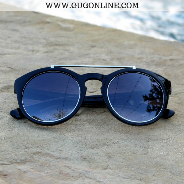 The Quinn Round Aviator Sunglasses in Black with Silver Trim