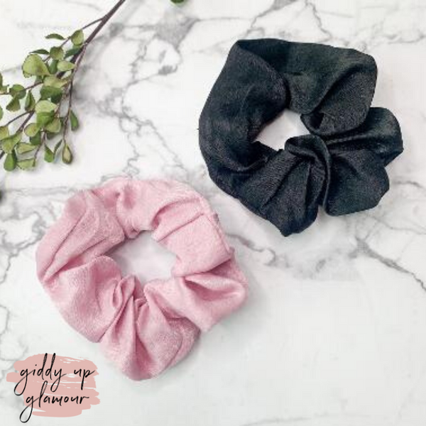Set of Two | Elegant Details Hair Scrunchies in Light Pink and Black