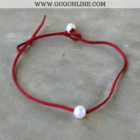 Leather Choker Necklace with Pearl in Maroon