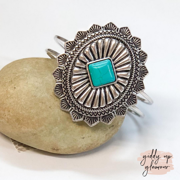 Silver Western Oval Hinge Bracelet with Turquoise Stone