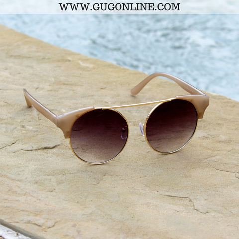 The Nina Round Cat Eye Sunglasses in Champagne