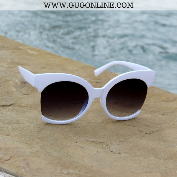 The Hanna Cat Eye Sunglasses in White