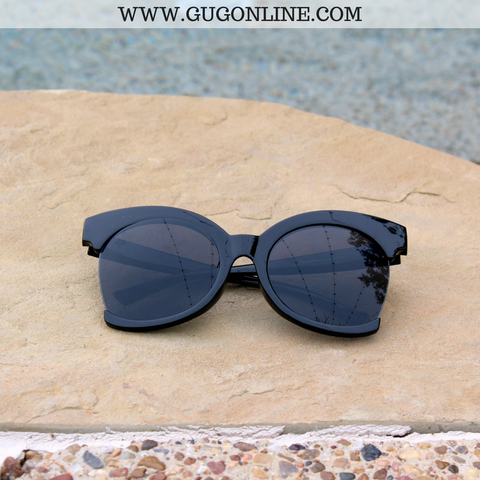 The Hanna Cat Eye Sunglasses in Black
