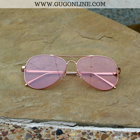 The Aria Aviator Sunglasses in Clear Pink