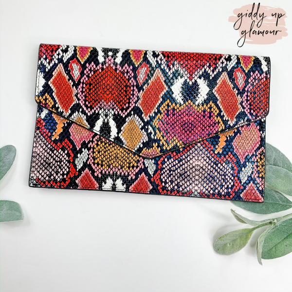 Keep an Eye on Me Evnelope Clutch/Cross Body in Pink Snake