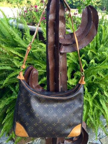 Authentic Used Louis Vuitton Boulogne Shoulder or Crossbody Purse in Monogram