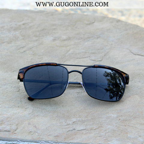The Avery Aviator Clubmater Sunglasses in Tortoise