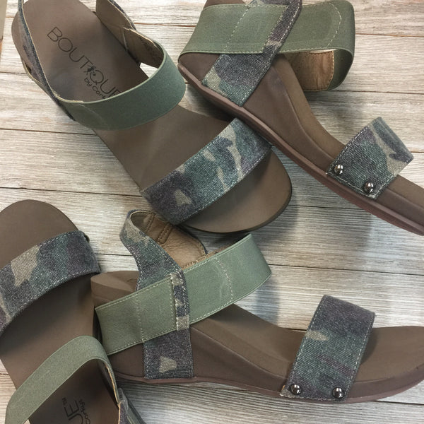 Damaged | Bandit Strappy Wedge Sandals in Camouflage | Sizes 8, 9