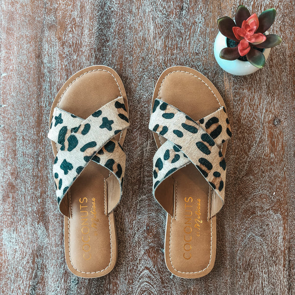 Pebble Cross Straps Slide On Sandals in Leopard