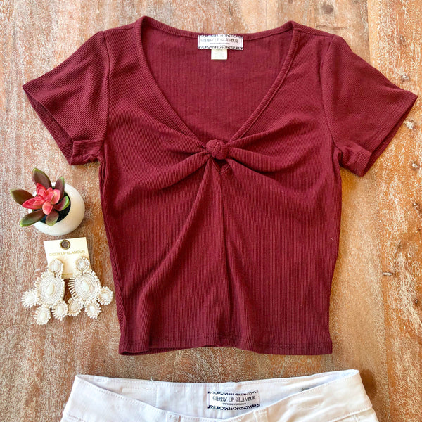 New to You Ribbed Knotted V Neck Crop Top in Maroon