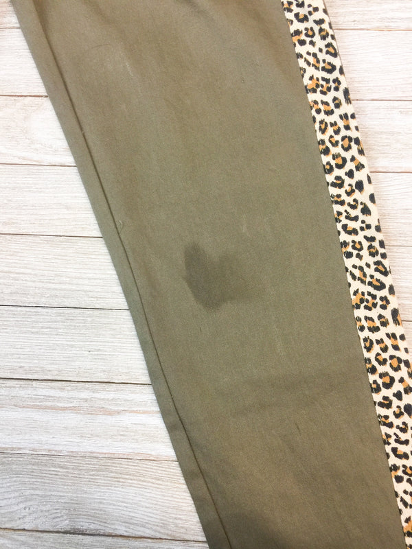DAMAGED | MEDIUM Subtle Charm Skinny Leg Pants with Leopard Trim in Olive Green