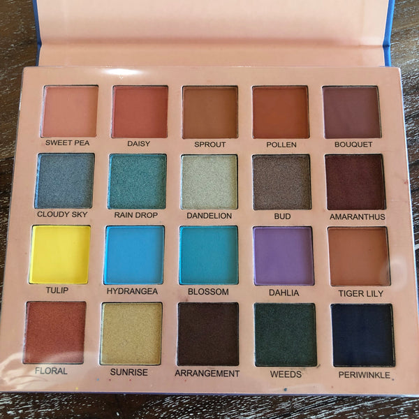 Perfect Bloom Colorful Eyeshadow Palette