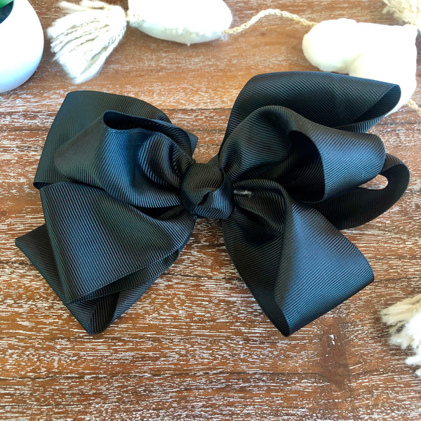 Solid Color Hair Bow in Black