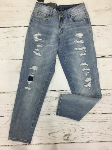 Closeout Jeans Style 148624 (L17051) SIZE 12, 22, & 24 ONLY
