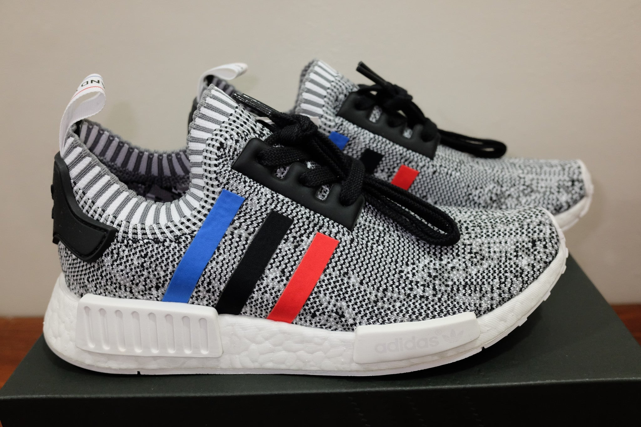 849d4ed57 ... Tri-Color White   adidas Originals NMD R1 Primeknit DarkSole.net (5) ...