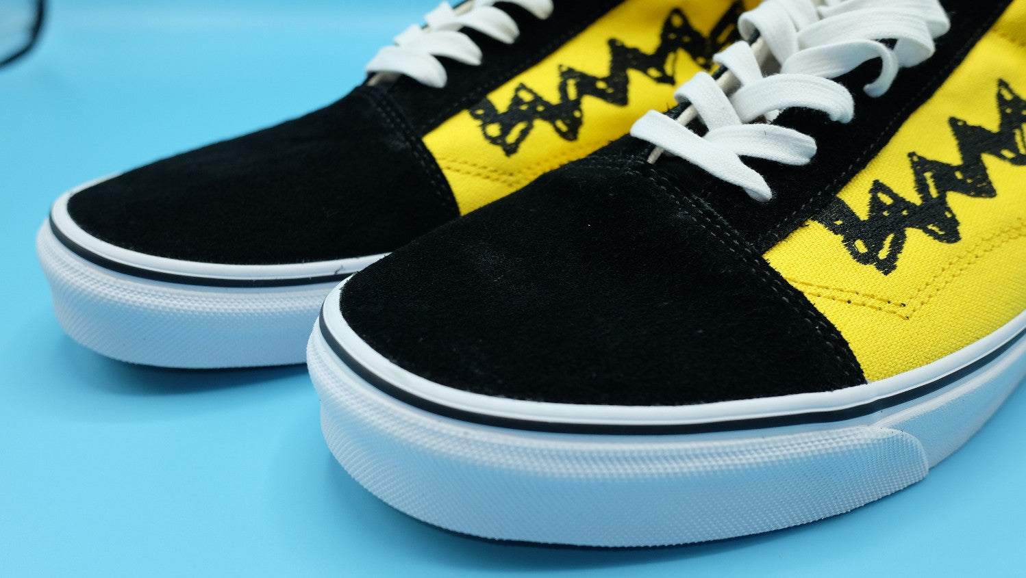 821629b195 ... VANS Old Skool   Peanuts Charlie brown Yellow Black   size 12(US) ...
