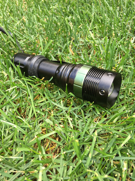 Zoomable Tactical Flashlight - XML Q5 2000 Lumens LED Focus Lamp Torch 3-mode