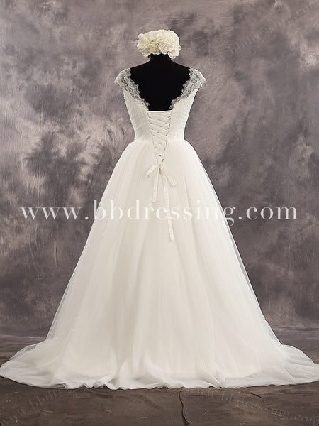 Sleeveless Sweetheart Lace Strap Applique Bodice A Line Tull Skirt Bridal Dress Chapel Train Lace Up Back Wedding Dress Style WD221