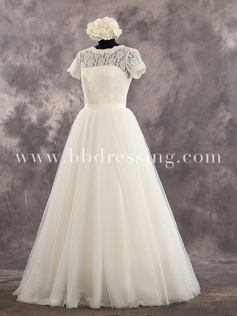 Ivory Short Sleeves Scoop Neckline Lace Bodice Tulle Skirt Deep V Back Wedding Dress Chapel Train Zipper Up Back Bridal Dress Style WD222