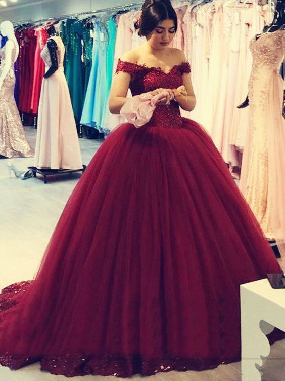 Off the Shoulder Ball Gown Celebrity Dresses Formal Gowns Burgundy Prom Dresses pst3000