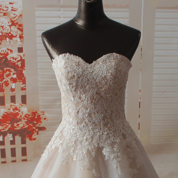 Lace and Tulle Wedding Dress pwd0050