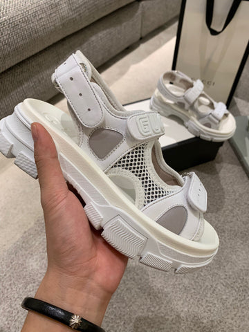Сандалии Gucci 2019  белые | Gucci sandals 2019 white