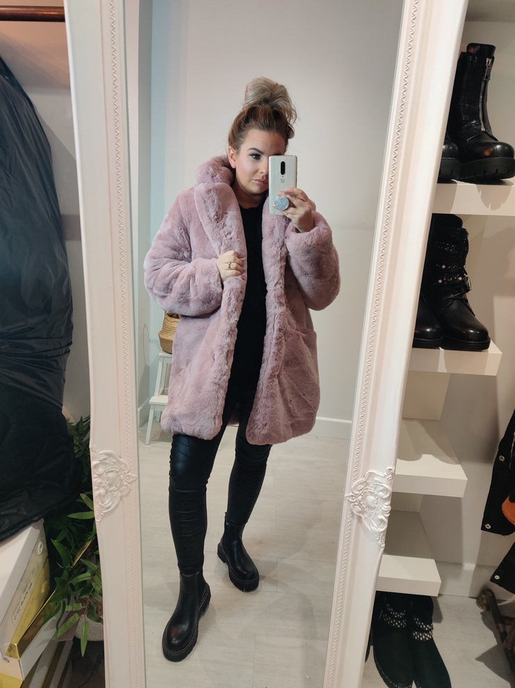 Super snug Faux fur coat