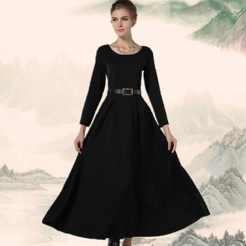 Beautiful Black Dress With Girdling Design