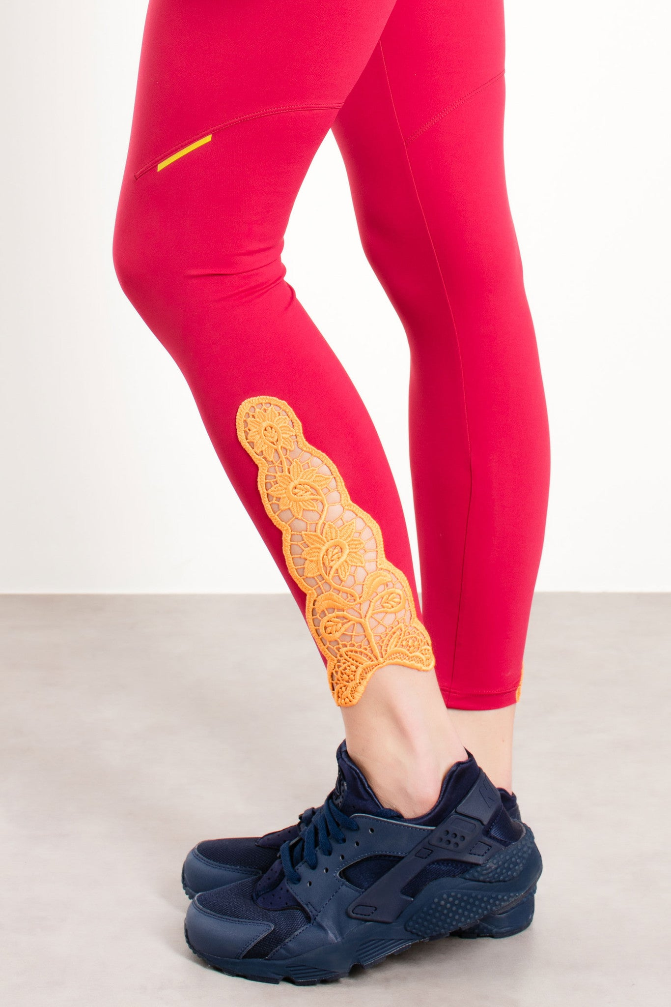 Lila Leggings with Lace detail / Purple
