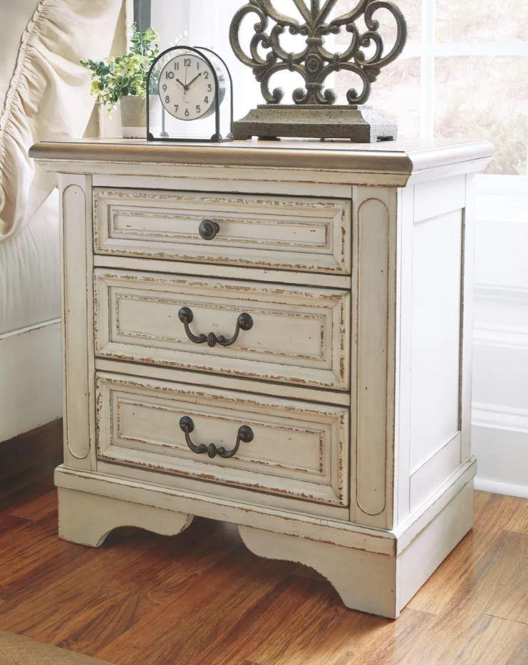 Ashley Furniture Realyn 3-Drawer Nightstand; Includes 2 USB Ports and Electrical Outlets