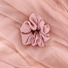 Load image into Gallery viewer, Charlie Scrunchie - Blush