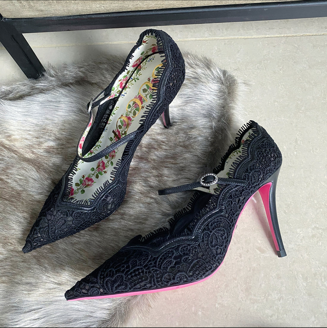 Gucci Black Lace Virginia Pumps - 40 / 9.5